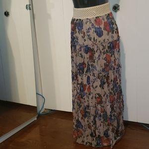 Cecico sz M maxi skirt